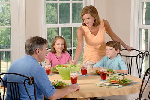 フランス人は食事中にテレビを見ない