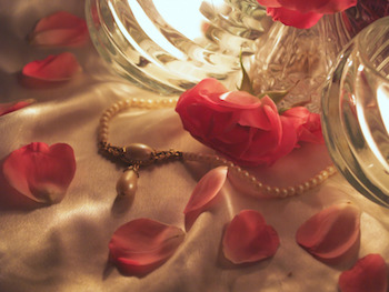 photodune-3089595-soft-pink-roses-and-candles-arranged-in-a-romantic-scene-s