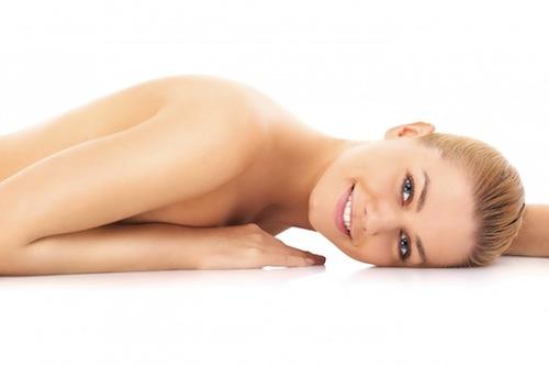 DM_Sensual-naked-woman_63977884-1030x687