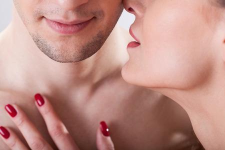 セックスで男性を満足させるキーワード「初めて」