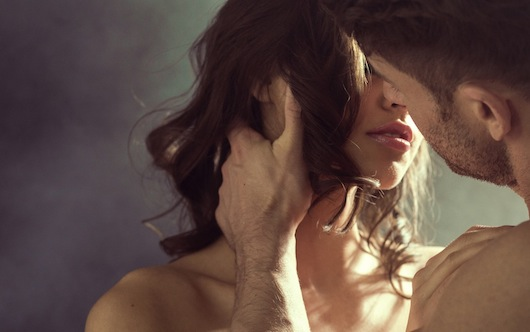 BM_Sensual-woman-kissing-her-husband_64034577