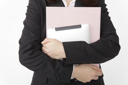 彼氏を奪う危険な新入女性社員の特徴