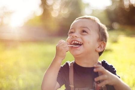 """子どもの脳を育てるのは時期に応じた""""遊び"""""""