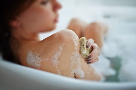 ハーブ&アロマでリフレッシュ!疲れを癒す入浴法