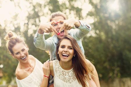 30代女性が感じる幸せの共通点とは?