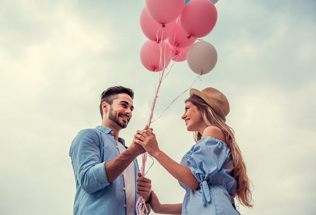 女性にベタ惚れの男性の行動とスキンシップの仕方