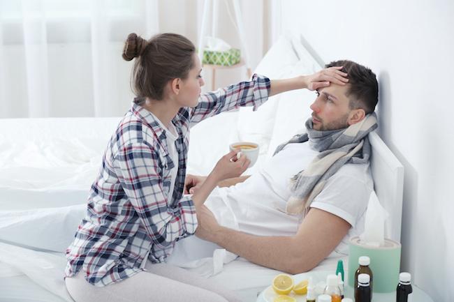 看病する女性
