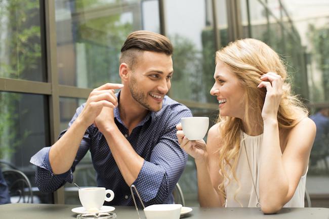 「気になる女性」の第一印象を獲得するための7つの会話術