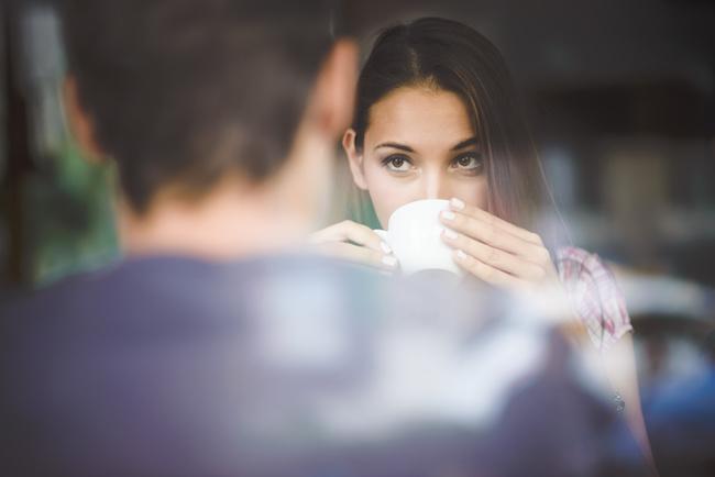 「好きかも…?」男性が意識している女友達に見せる9つの言動