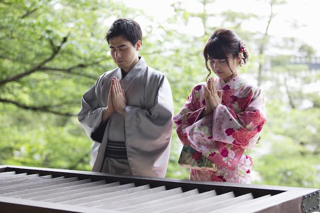 もうすぐお正月!今年は、彼氏と初詣デートをしよう!初詣にオススメの神社&元合コンクィーンが婚活で遭遇した男性から教わった参拝方法をご紹介