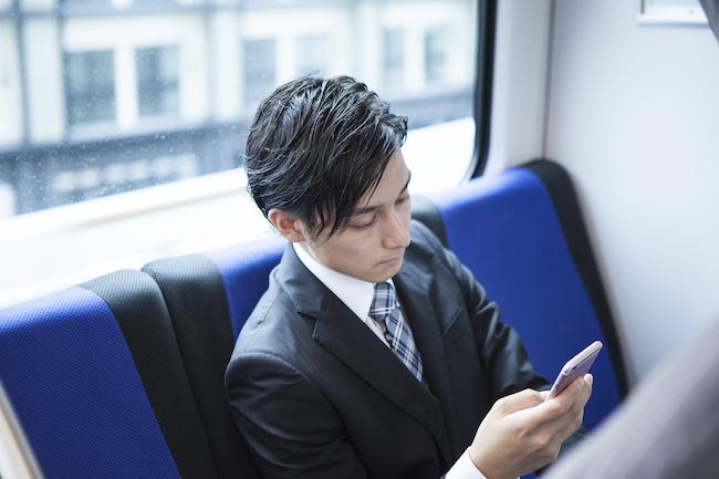 通勤電車で気になる彼...そんな彼と仲良くなる方法