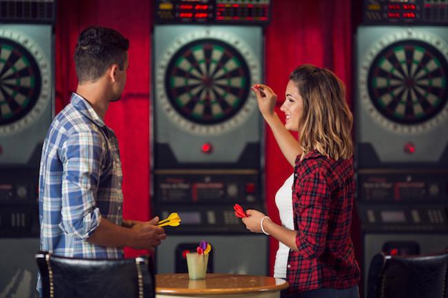 ダーツバーで恋人を作る方法1画像
