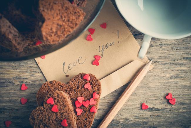 バレンタインデーは、彼氏にプレゼントも必要?彼氏に喜ばれるバレンタインデーを解説!08