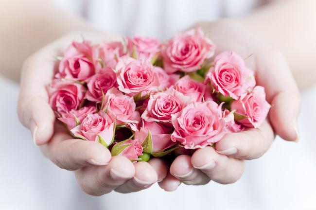 バラの香りで中から外から女子力UP!