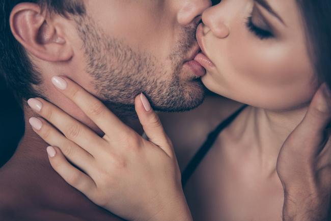 男性が密かに胸キュンしている♡キス中の女性の可愛い仕草とは?1画像