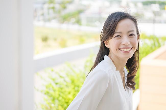 笑顔が一番!表情筋を鍛えて自然なモテ顔作っちゃおう。1画像