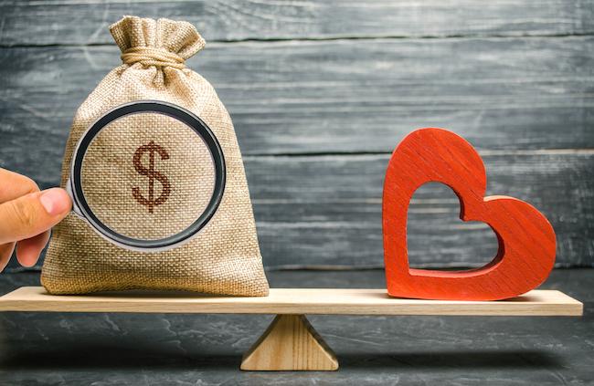 性格とお金、どっちを重視してパートナーを探せば将来幸せ?