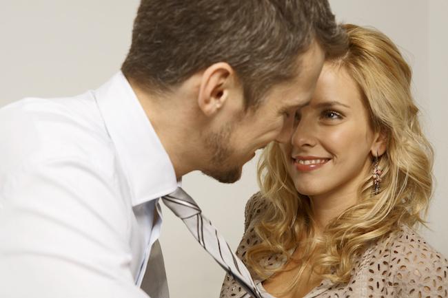 やっぱりね…職場で不倫を疑われる女性の特徴と言動はコレ