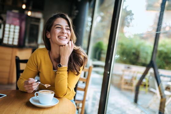 仕事前に立ち寄ってリフレッシュ!都内で人気の「朝カフェ」5選