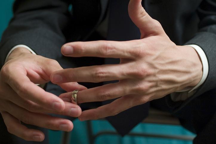 既婚男性から不倫相手に選ばれやすい女性の特徴