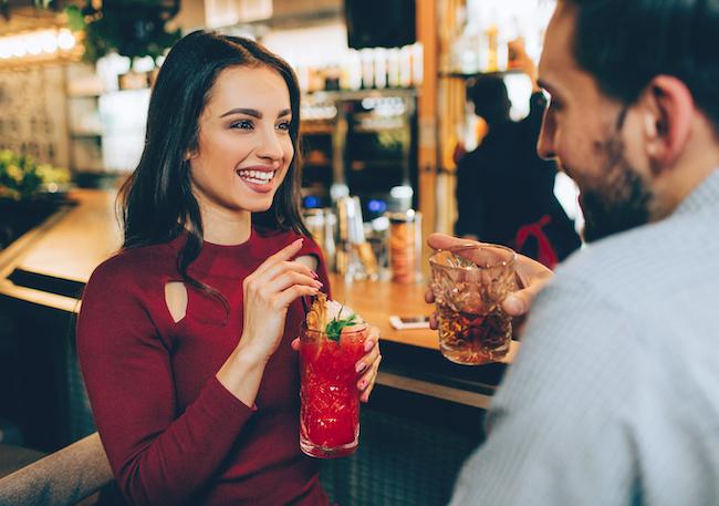 男性に二人飲みに誘われたときに気をつけるべきこと3つ