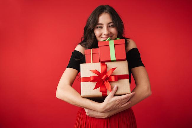 女友達が喜ぶ2000円以内のクリスマスプレゼント5選