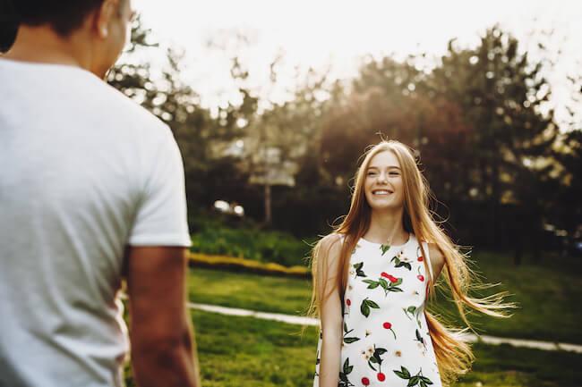 「男に愛される手放せない女」になるために~女が男に思わせるべきこととは?/男性が必要だと思っている女性の画像