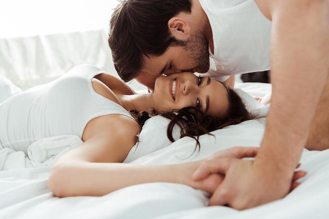男性が本命女子に行うセックス時のキス