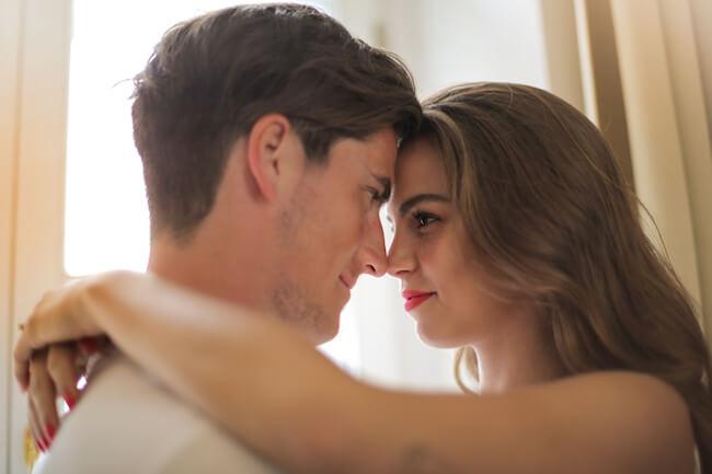 『セックス中のコミュニケーション』シラけずに意思疎通する方法