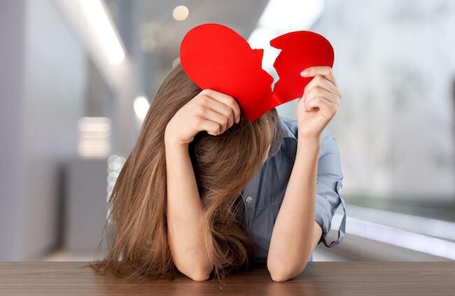 ダメ男ホイホイのあなたは実は「恋愛依存症」かも!恋愛依存症女子の特徴