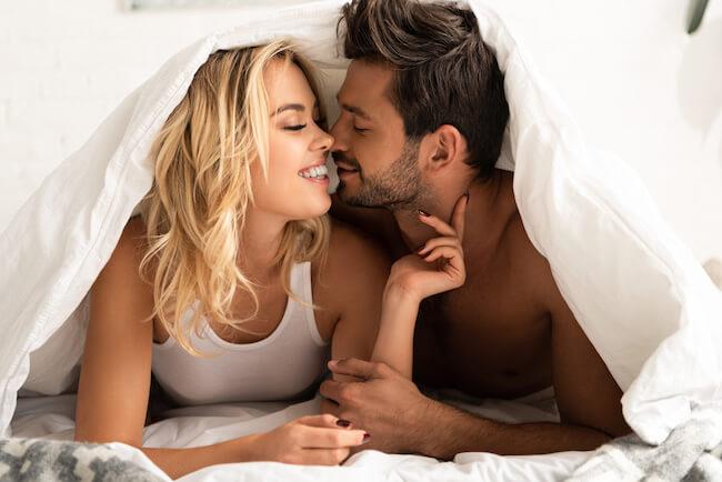 今日は帰したくない!男性の本能が目覚める「キス後のセリフ」4つ