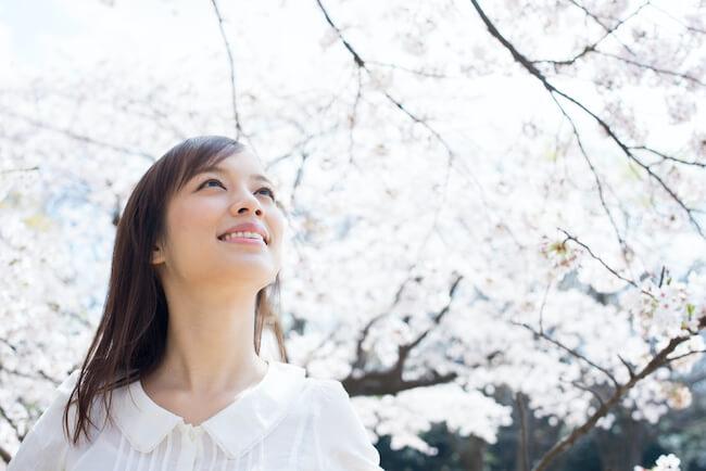 桜も良いけどお前もな♡男性が実はお花見デートに着てほしい女子の服装
