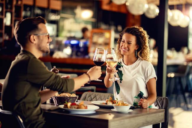 「割り勘デートは、女性にメリットがある」。実は、奢られる方が損かも?4画像