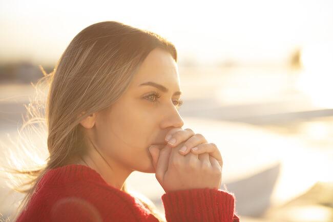 別れの喪失感にさよなら…!失恋から立ち直るには春がおすすめな理由