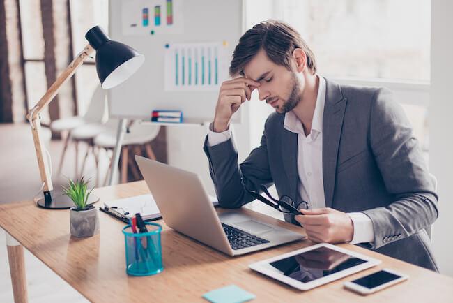 どうされると嬉しい?仕事の失敗で弱っている時の男性心理4選