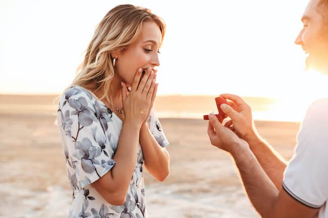 「結婚したい」って言って!彼からプロポーズされるためにできること