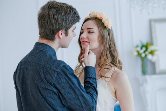 顎クイされたい…でもその先のキスは大丈夫?気持ちいいと思わせるキステク5選