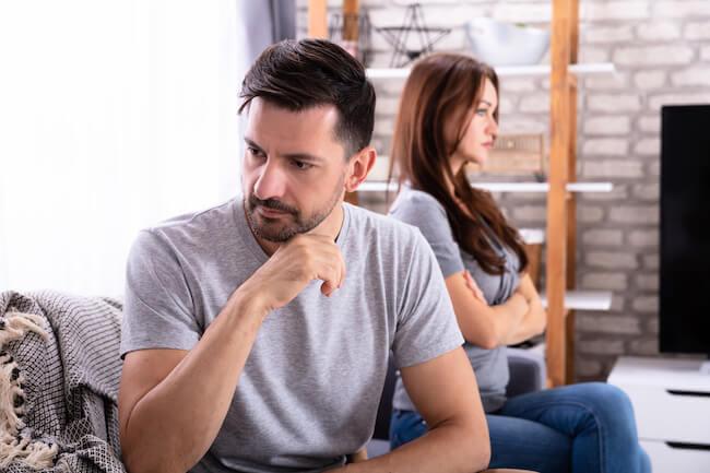 夫婦喧嘩の原因!夫をイラッとさせる意外な4つの行動!