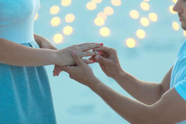 予想より早くプロポーズされた…結婚決めちゃって大丈夫?決断するポイントはこれ!