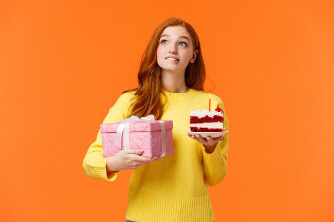誕生日当日は会えません…前祝いと後祝いどっちがいいの?