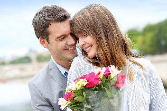 君みたいな人はじめて!男性を「惚れさせる女性」の特徴