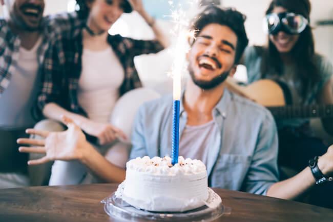 片想いの彼に送るお誕生日LINEのベストな送り方と内容