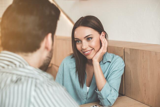 貯金額って婚約前に聞いてもいいの?知りたい男性的にアウトな質問の仕方