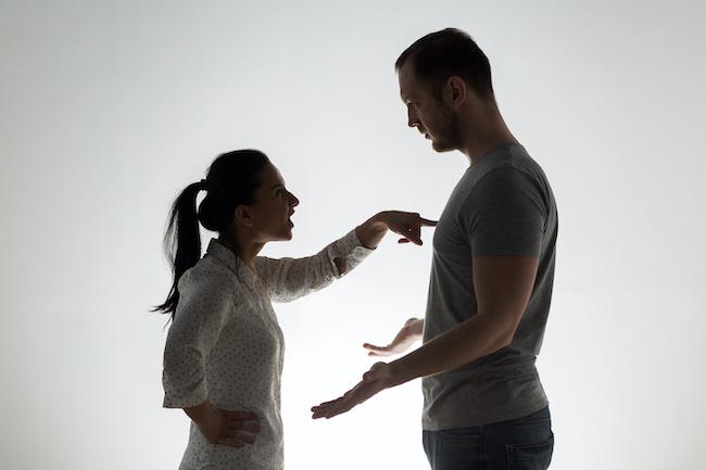 最近恋人に求め過ぎてない?愛想をつかされる女性の特徴3画像