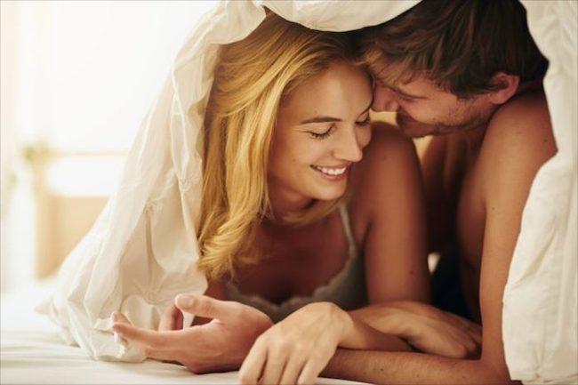 セックスの時、男性の低い声は女性をエッチな気分にする効果がある!?画像