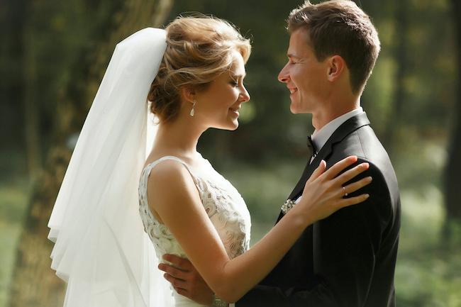 2人きりの結婚式!メリット&デメリットとは?経験者のリアルな声