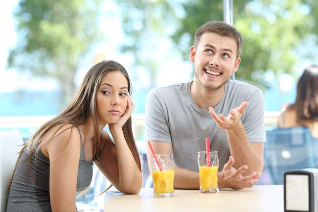 女性に元カノの話ばかりする男性の心理3つ