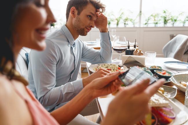 食事デートで気をつけて!男性に2度目は無いなと思われる女性の行動