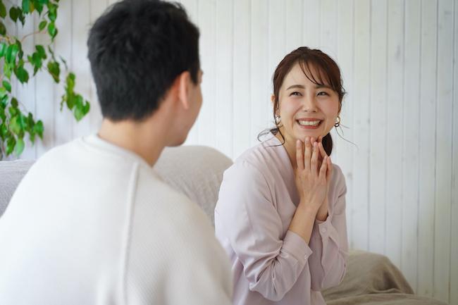 人見知り改善しちゃいませんか?引っ込み思案な人が男性と楽しく会話をする方法画像