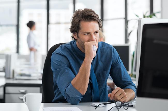 恋のタイミングは最悪かも…仕事がうまくいってない男性の特徴3つ